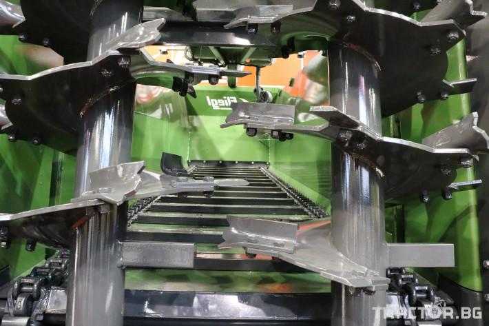 Ремаркета и цистерни Fliegl Тороразхвърлящо ремарке Флигел с верижен транспортьор 2 - Трактор БГ