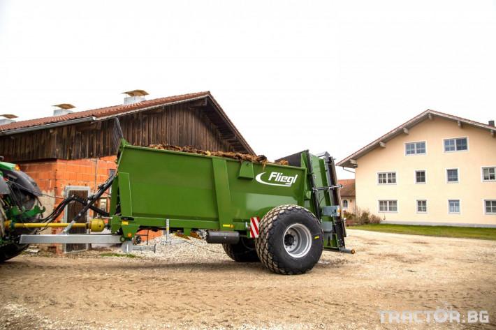 Ремаркета и цистерни Fliegl Тороразхвърлящо ремарке Флигел с верижен транспортьор 4 - Трактор БГ