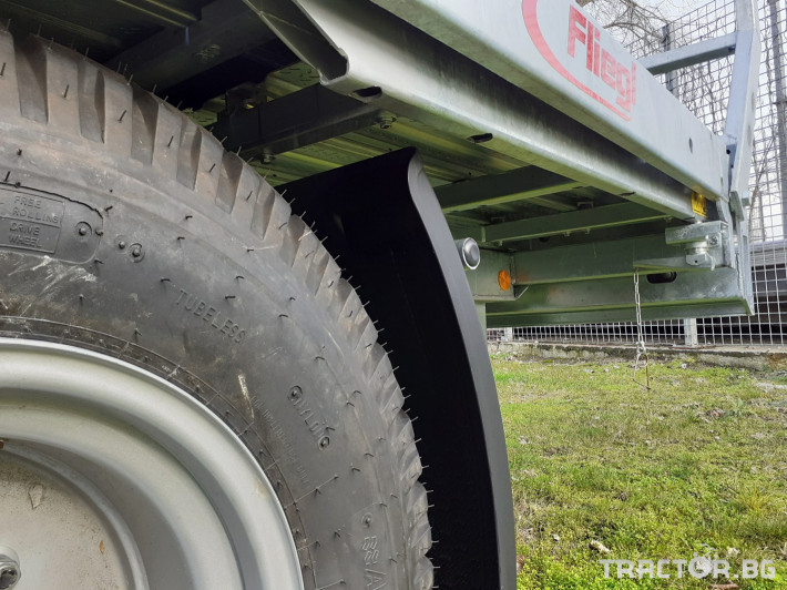 Ремаркета и цистерни Триосна платформа Флигел за бали 2 - Трактор БГ